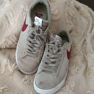 Nike SB Grant Taylor Zoom Air shoes